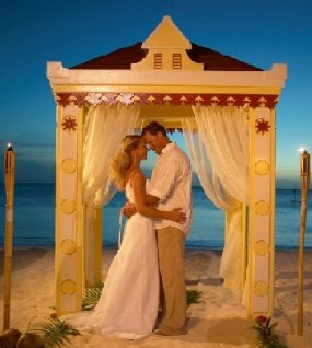 beach wedding at marriott