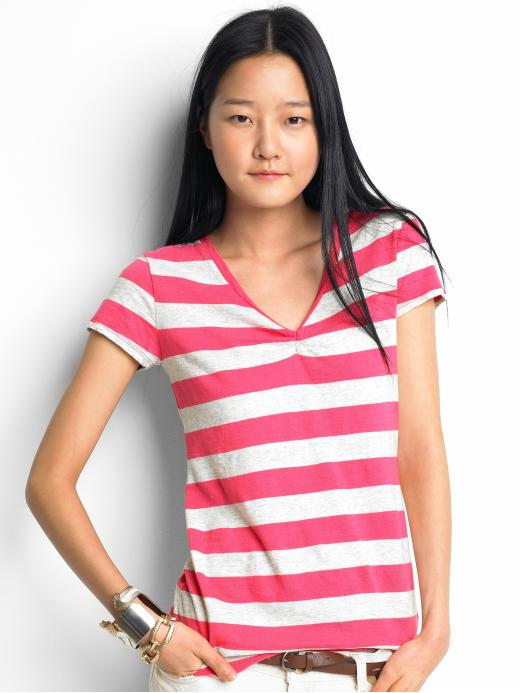Short-sleeve striped vee