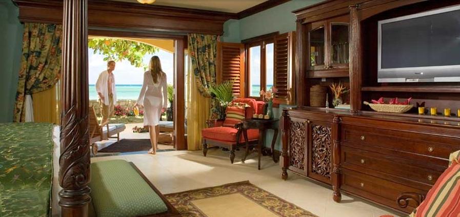 Ultra luxury beachfront suites of bay roc villa